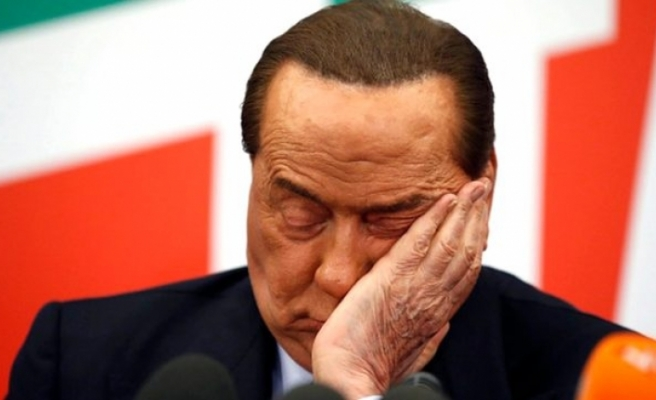Koronavirüse yakalanan Berlusconi hastaneye kaldırıldı
