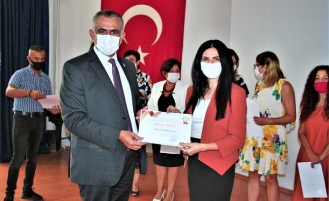 Pandemi sürecinde gönüllülük esasıyla görev üstlenen öğretmenlere sertifika