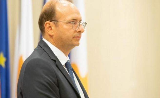 """Rum Savunma Bakanı: """"Türkiye sıcak temas istiyor"""""""
