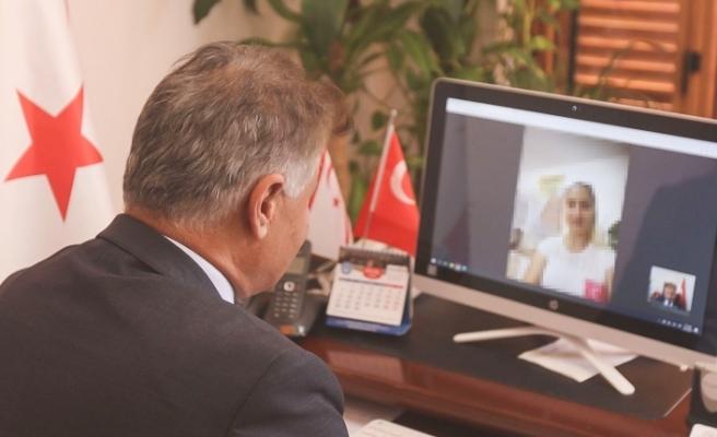 """Sağlık Bakanı Dr. Ali Pilli """"Tele Sağlık"""" ile bir hastaya hizmet verdi"""