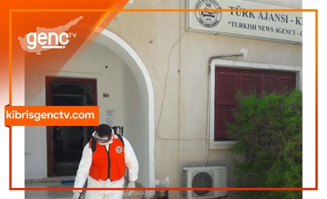 Sivil Savunma ekipleri Türk Ajansı Kıbrıs binasında dezenfekte çalışması yaptı