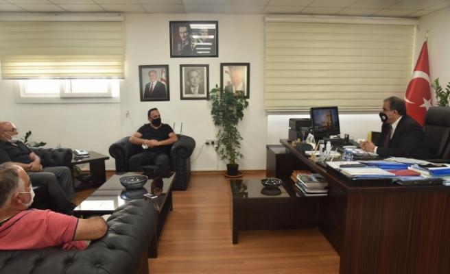 Sucuoğlu, Kıbrıs Türk Toplu Taşımacılar Birliği temsilcileri ile görüştü