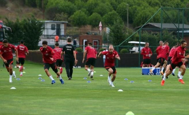 Türkiye A Milli Futbol Takımı, Macaristan maçı hazırlıklarına başladı