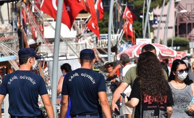 Türkiye'de son 24 saatte 1692 kişiye Kovid-19 tanısı konuldu, 65 kişi hayatını kaybetti