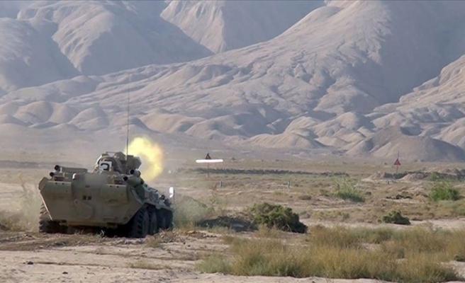 Azerbaycan ordusu, gece boyunca önemli arazi ve yükseklikleri işgalden kurtardı