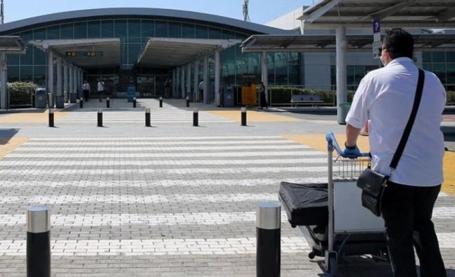 Güney Kıbrıs'ta ikamet edenlerin yurt dışı seyahatlerinde yüzde 80,3 azalma