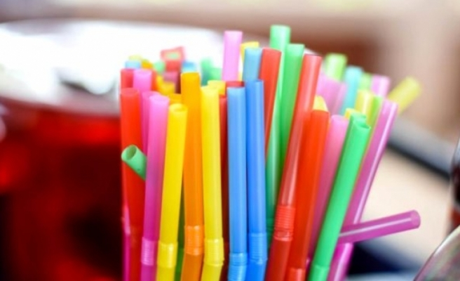 İngiltere'de plastik pipet yasaklandı