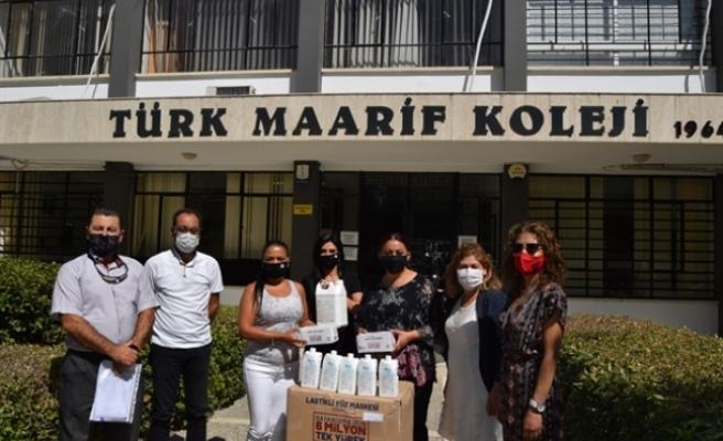 Lefkoşa'daki kamu okullarına maske ve dezenfektan