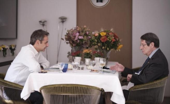 Rum Lider, Yunanistan Başbakanı ile yemekte bir araya geldi