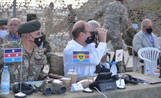 Rum Milli Muhafız Ordusundan askeri tatbikat