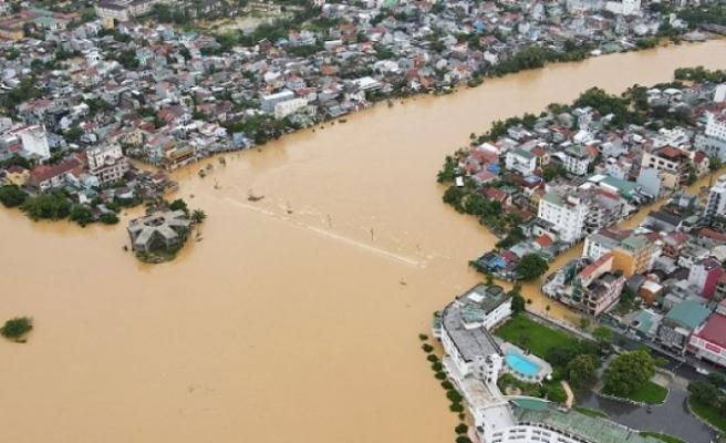 Vietnam'daki sellerde ölü sayısı artıyor