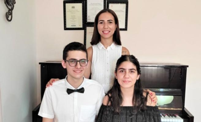 Betmezoğlu kardeşler ABRSM yüksek skorlular konserine katıldı