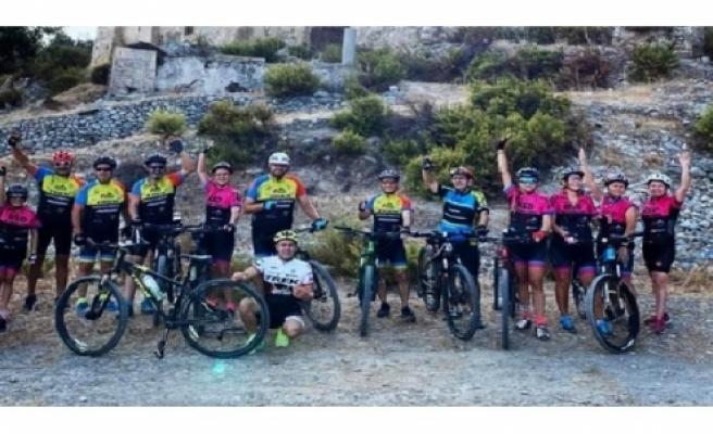 Bisiklet Severler Derneği Pazar Günü Dipkarpaz'dan Lefkoşa Atatürk Büstüne 140 kilometrelik sürüş yapacak