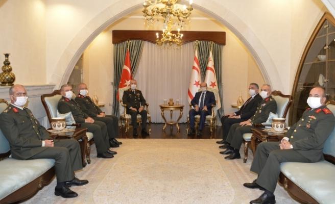 Cumhurbaşkanı Tatar komutanları kabul etti