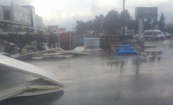 Demirbilek Hırdavat'ta büyük zarar