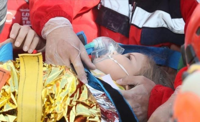 Enkazdan çıkarılan Ayda ambulansta 'köfte ve ayran' istedi