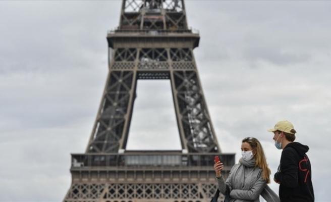 Fransa'da sağlık alanındaki OHAL 14 Aralık'a kadar uzatılabildi