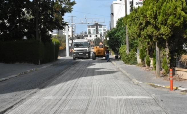 Girne'de asfalt serim çalışması