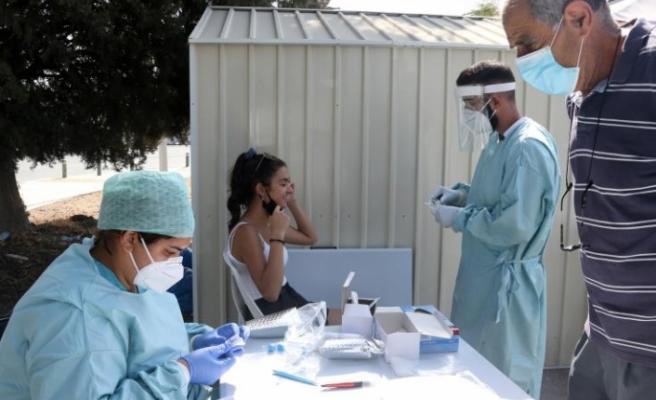 Güney Kıbrıs'ta günlük vaka sayıları açıklandı