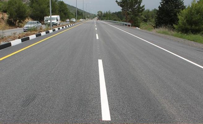 Lefkoşa – Girne yolunun bir bölümünde trafik tek şeritten veriliyor