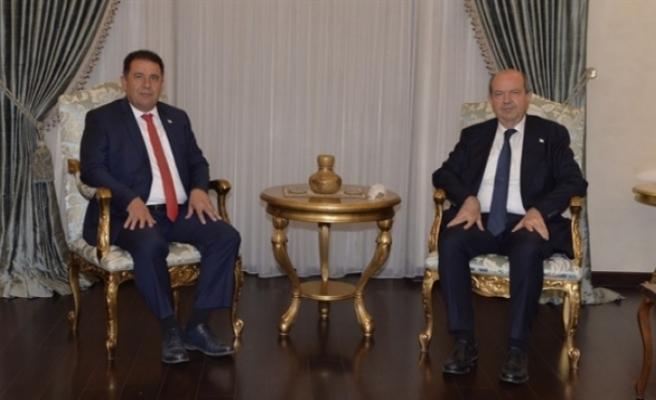 Saner hükümet kurma görevini Cumhurbaşkanı Tatar'a iade etti