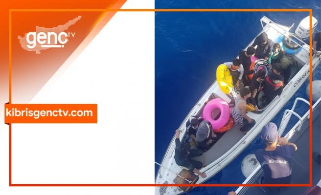 Suriye uyruklu 13 göçmen Türkiye Cumhuriyeti Sahil Güvenlik Komutanlığı ekiplerine teslim edildi