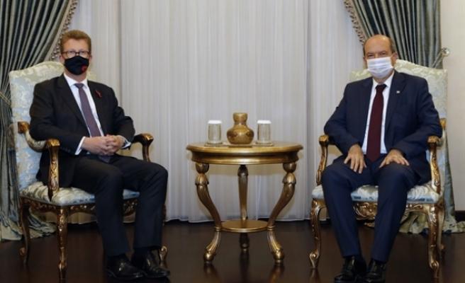 Tatar, İngiliz Yüksek Komiseri Stephen Lillie'yi kabul etti