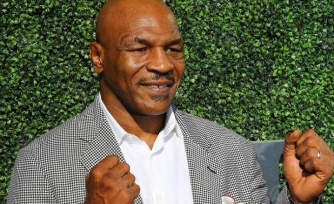 Ünlü boksör Mike Tyson maç öncesi esrar içtiğini açıkladı