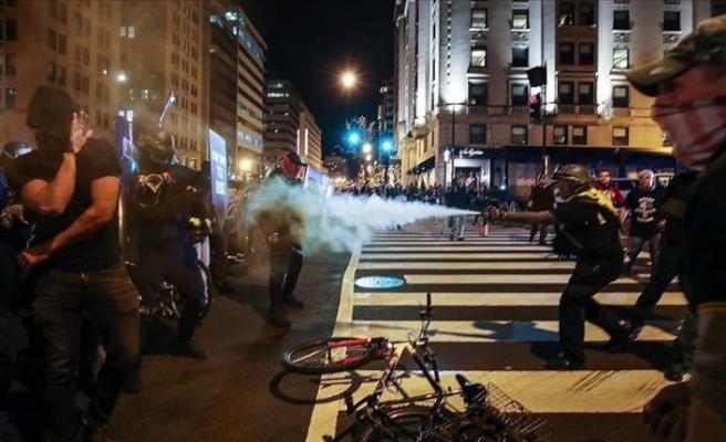 ABD'nin başkenti Washington'da karşıt gruplar birbirine girdi