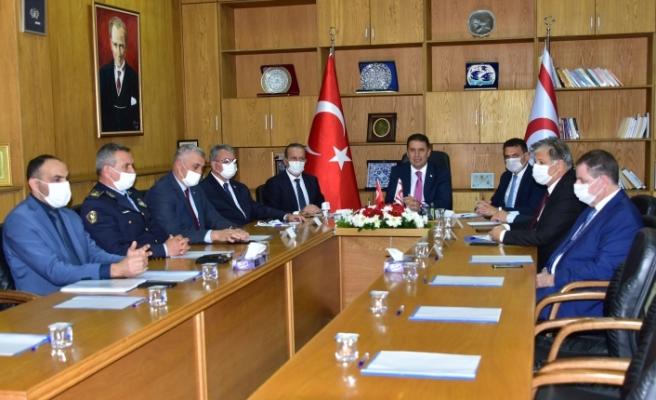 Başbakanlık'ta Covid-19 toplantısı
