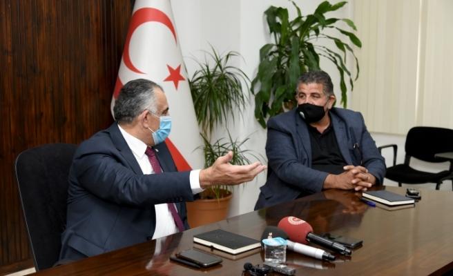 """Çavuşoğlu: """"Siyasetten vazgeçerim, üretimden vazgeçmem"""""""