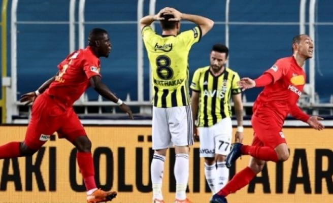 Fenerbahçe evinde üst üste 3. kez kaybetti