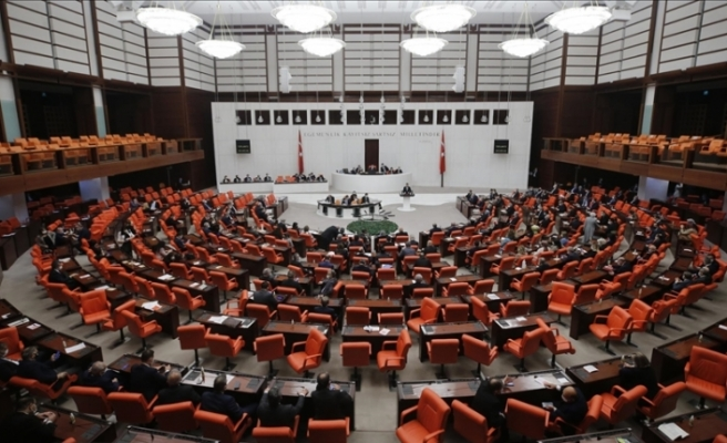 Türkiye'de bütçe kabul edildi