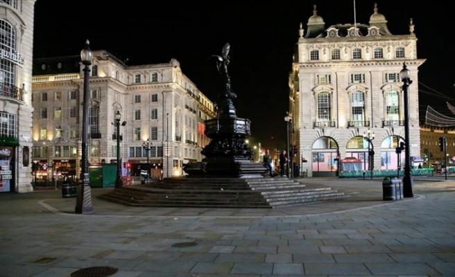 İngiltere'de 3. kez ulusal karantina uygulanmaya başlandı
