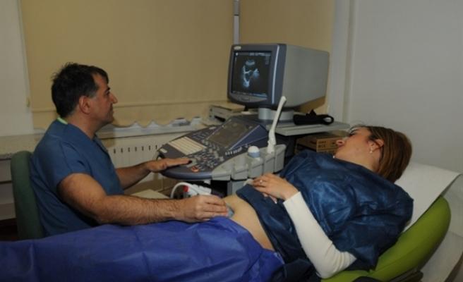 Kıbrıslı Türk doktordan Türkiye'de gururlandıran başarı