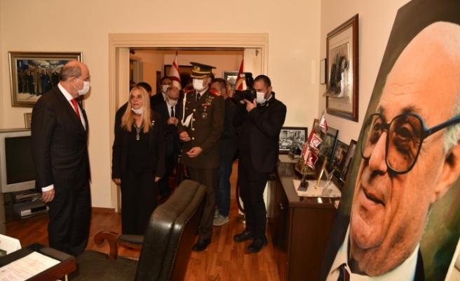 Tatar'dan Denktaş'ın ofisine ziyaret