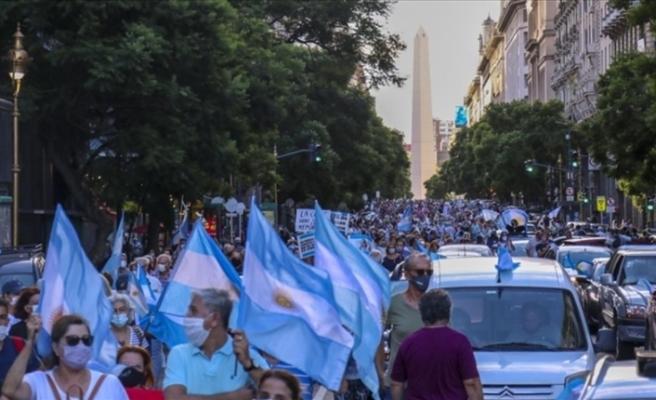Arjantin'de ayrıcalıklı aşı uygulaması isyanı