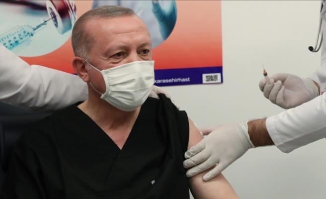 Erdoğan, Kovid-19 aşısının ikinci dozunu yaptırdı