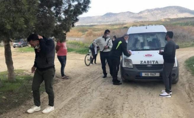 Gönyeli Belediyesi sokağa çıkma yasağını ihlal eden  6 kişiye 382'şer TL ceza kesti