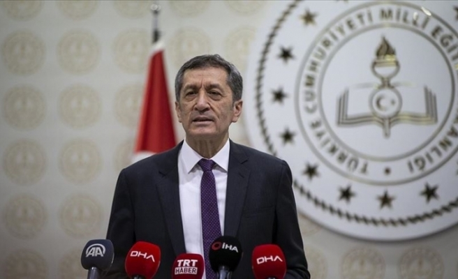 """Türkiye Eğitim Bakanı: """"Bazı illerimizdeki hızlı vaka artışı okulların açılmasını yeniden değerlendirme zorunluluğunu doğurmuştur"""""""
