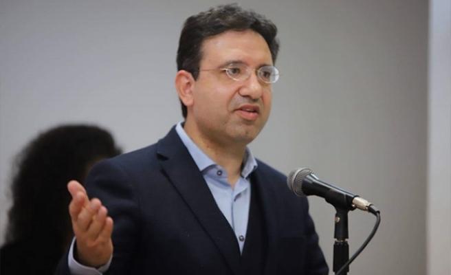AKEL ile Rum Hükümeti arasındaki tartışma sürüyor