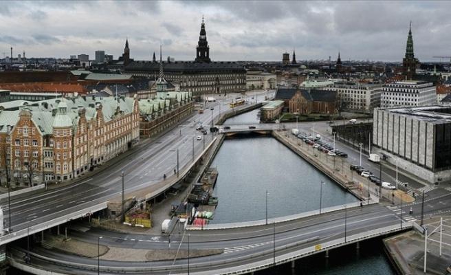 """Danimarka'da kapalı sektörler """"korona karnesi"""" şartıyla yeniden açılıyor"""