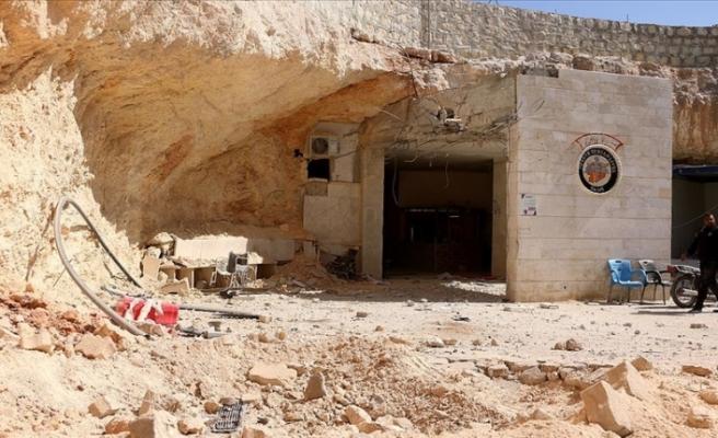Esed rejiminin İdlib'de hastaneye düzenlediği saldırıda biri çocuk 6 sivil öldü