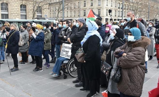 Fransa'da İslamofobi ve 'ayrılıkçı' yasa tasarısı yeniden protesto edildi