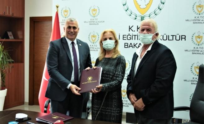 İşadamı Vedat Ertüngü'den Lefkoşa'ya okul