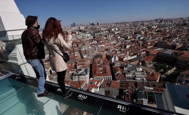 İspanya'da hükümetin 'yabancı turiste evet, yerli turiste hayır' kararı tartışılıyor
