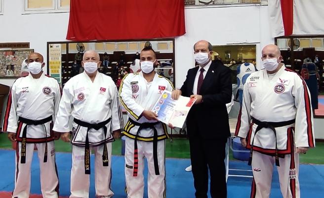 Karakuşaklar diplomalarını aldı