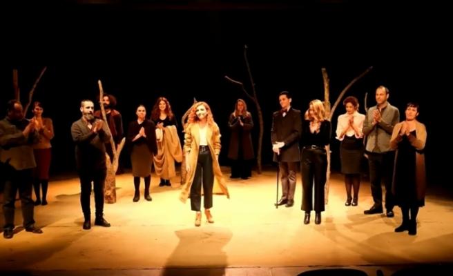 Lefkoşa Belediye Tiyatrosu ilk çevrimiçi prömiyerini sundu