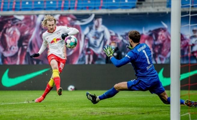 Leipzig sahasında Eintracht Frankfurt ile 1-1 berabere kaldı