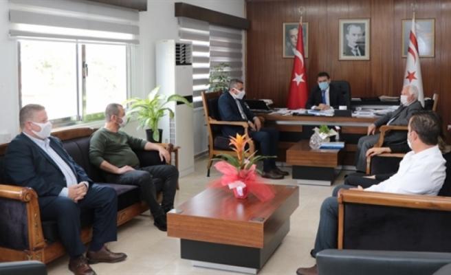 Maliye Bakanı Oğuz, Kamu İş heyetini kabul etti